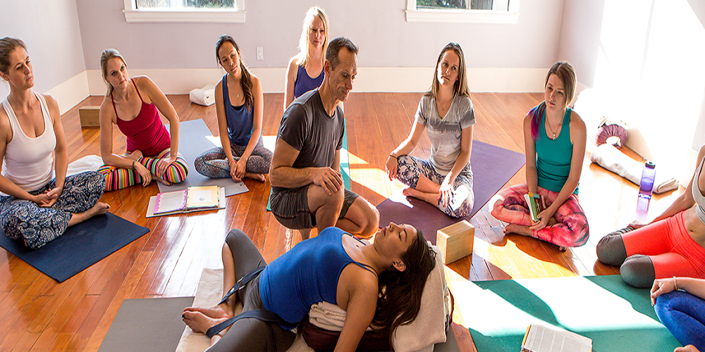 Free Yoga Class For Beginners With Yoga Garden Sf